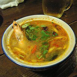 簡単レシピから本格レシピまで、トムヤムクンのすべてをご紹介!のサムネイル画像