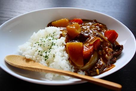 みんな大好きのカレーをさらに美味しく!人気のカレーレシピのサムネイル画像