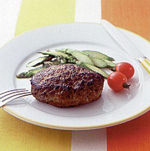 大人も子供もみんな大好き!肉汁たっぷりハンバーグのおすすめレシピのサムネイル画像