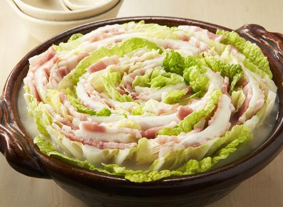 おしゃれな鍋!!白菜と肉を重ねたミルフィーユ鍋の作り方知ってる?のサムネイル画像