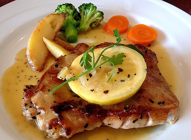 大満足の食べ応え!!厚切り豚ロースで作る食いしん坊レシピ7選♪のサムネイル画像