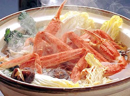 冬に美味しいカニ!旨みたっぷりあったまろう♪カニ鍋の作り方のサムネイル画像