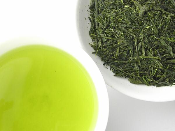 賞味期限が過ぎても捨てないで!お茶のおすすめ活用方法はコレ♪のサムネイル画像