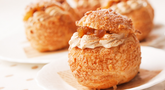 生地から手作りレシピも!サクサク食感のシュークリームレシピ集のサムネイル画像