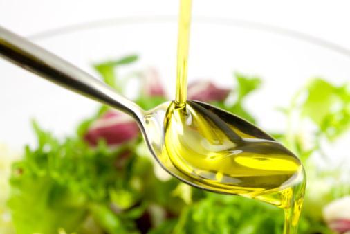 美容と健康に効果抜群!オリーブオイルの低カロリーレシピ5選のサムネイル画像