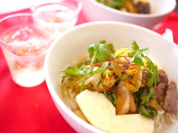 ふと食べたくなった時におすすめ♪「冷麺」を楽しむためのレシピ5選のサムネイル画像