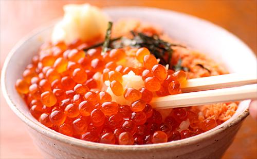 宮城の郷土料理、イクラたっぷり贅沢な『はらこ飯』のレシピのサムネイル画像