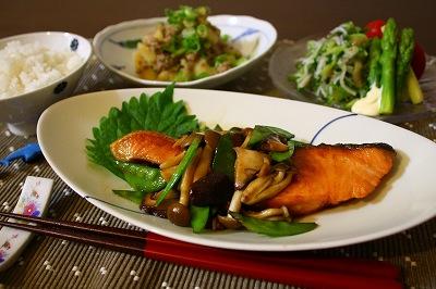 【和食】朝ご飯だけじゃない 焼き鮭に合う献立☆5選【洋食】のサムネイル画像