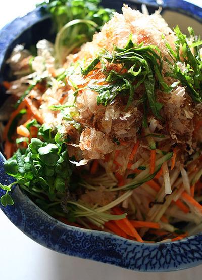 とってもラクラクカロリーオフ♪大根ときゅうりのヘルシーサラダのサムネイル画像