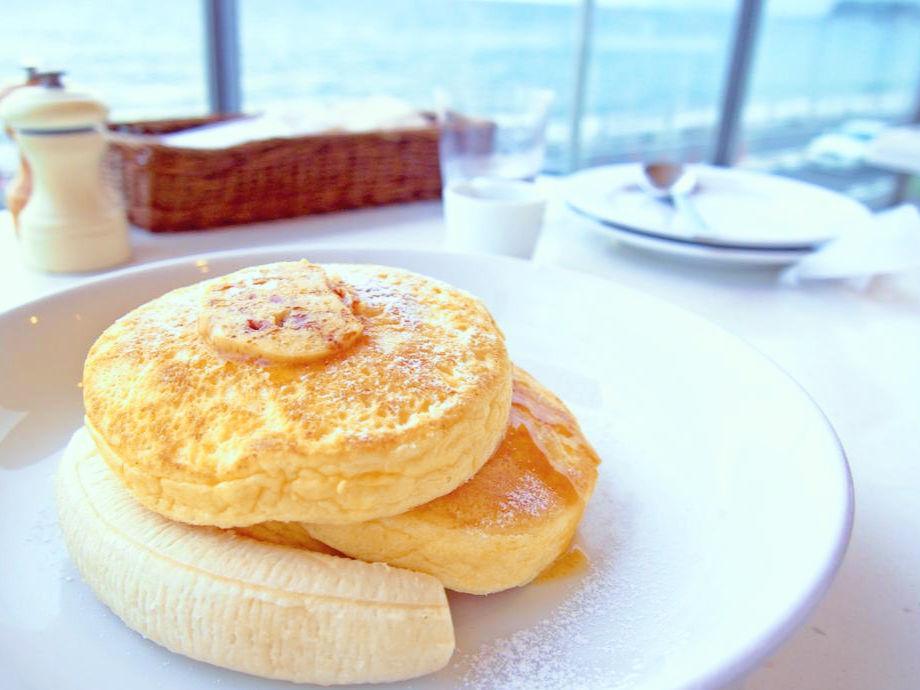人気のパンケーキをおうちで楽しむ!リコッタパンケーキのレシピ♪のサムネイル画像