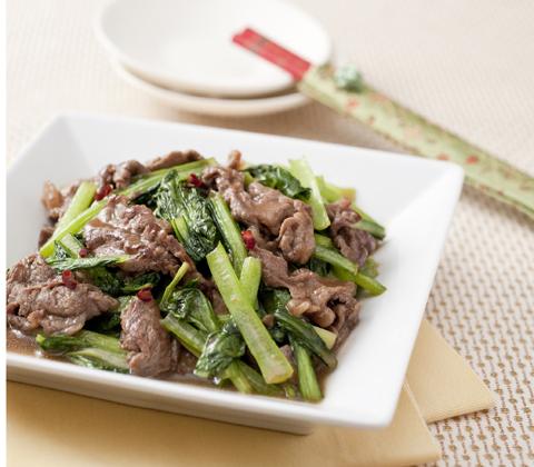 ご飯のおかずにピッタリ!小松菜と牛肉を使った美味しいレシピのサムネイル画像