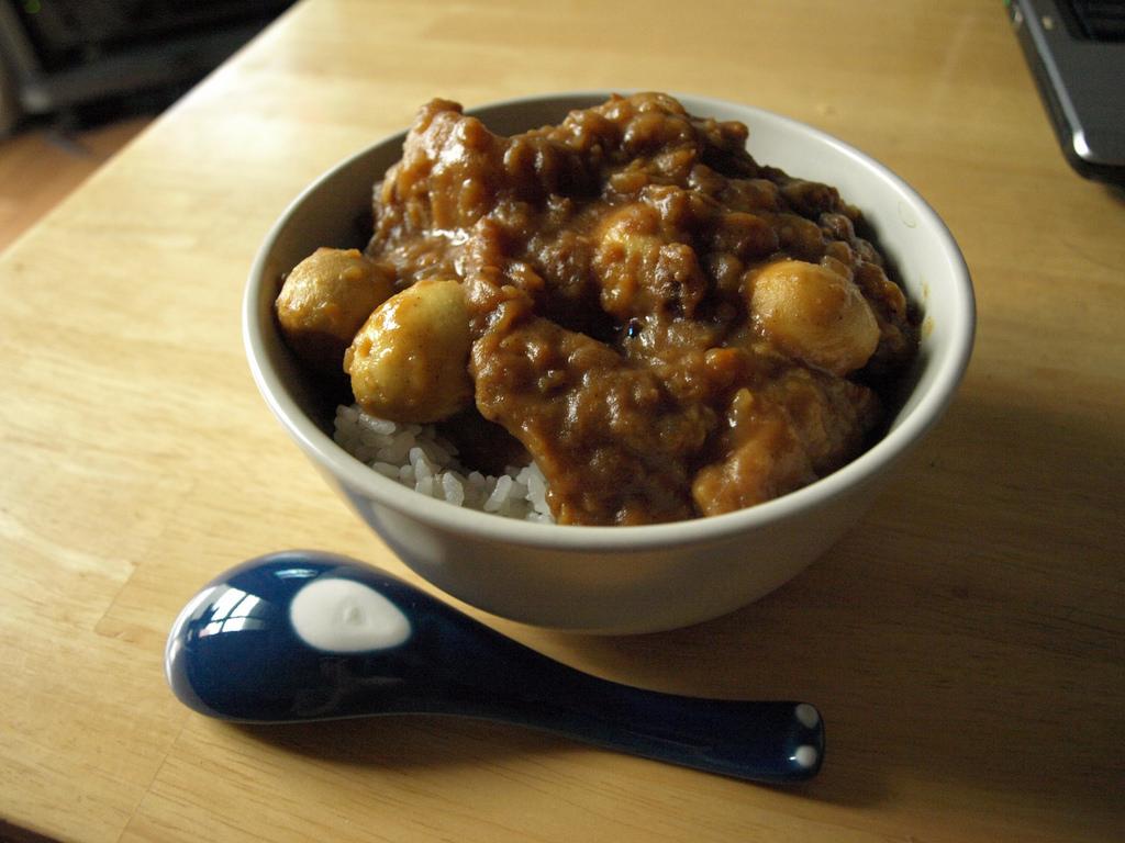 お肉をメインに使ったお肉カレーのおすすめレシピ厳選!5選!のサムネイル画像