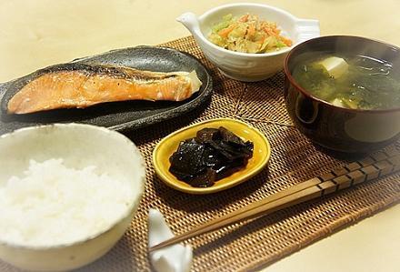 旬の野菜で食費を賢く節約!一人暮らしの食費節約レシピ5選のサムネイル画像