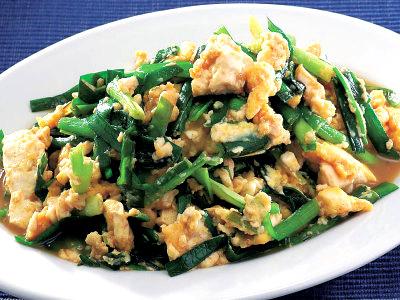 晩ご飯のおかずや主食に!ニラ玉の美味しいレシピを紹介します!のサムネイル画像