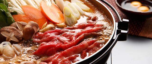 簡単美味しい!色々なお肉の部位を使ったユニークすき焼き5選のサムネイル画像