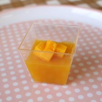 夏にぴったり!マンゴージュースで作れるフレッシュデザート4選のサムネイル画像