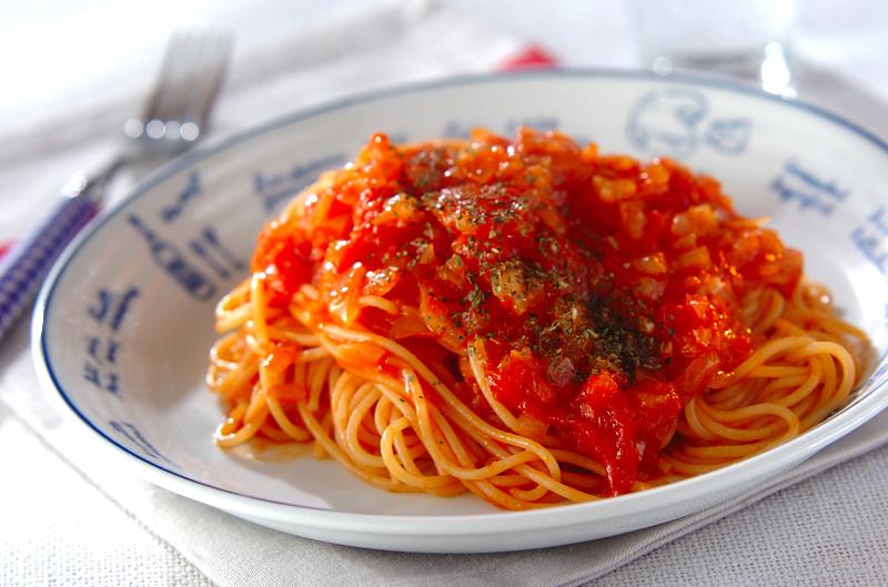 定番人気♪トマトソースパスタのおすすめレシピと作り方をご紹介♪のサムネイル画像