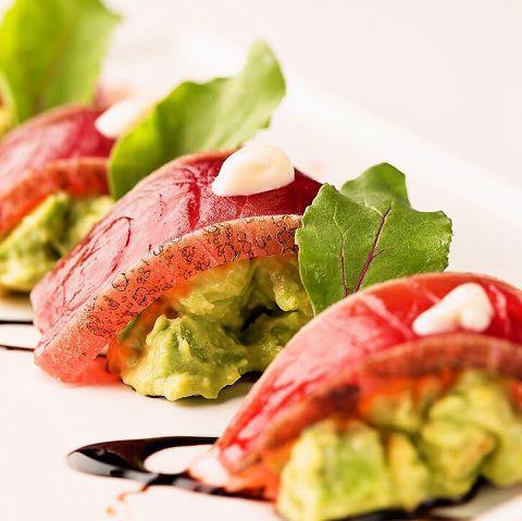 【マグロ×アボカド】相性ばっちりコンビで美味しいお料理を♪のサムネイル画像