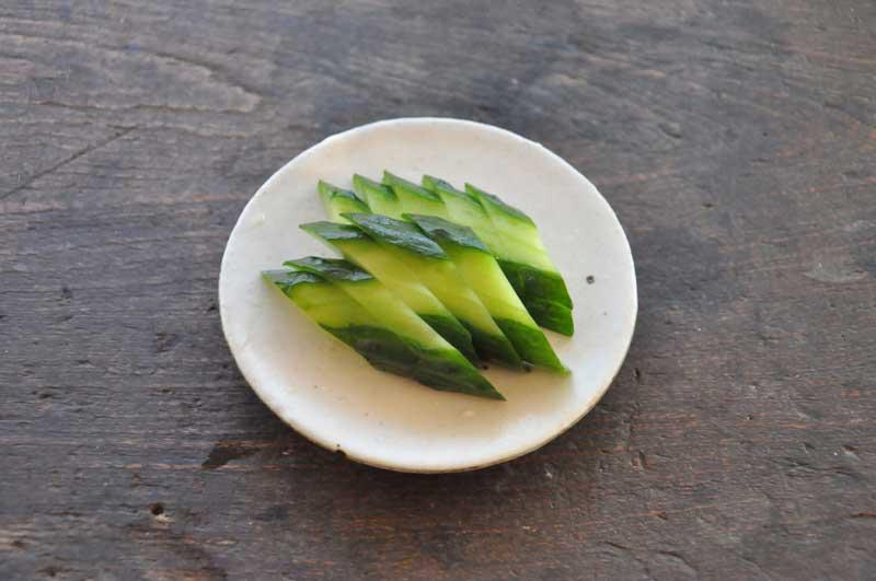 ぬか漬けや塩漬けだけじゃない!きゅうりを使った漬物レシピのサムネイル画像