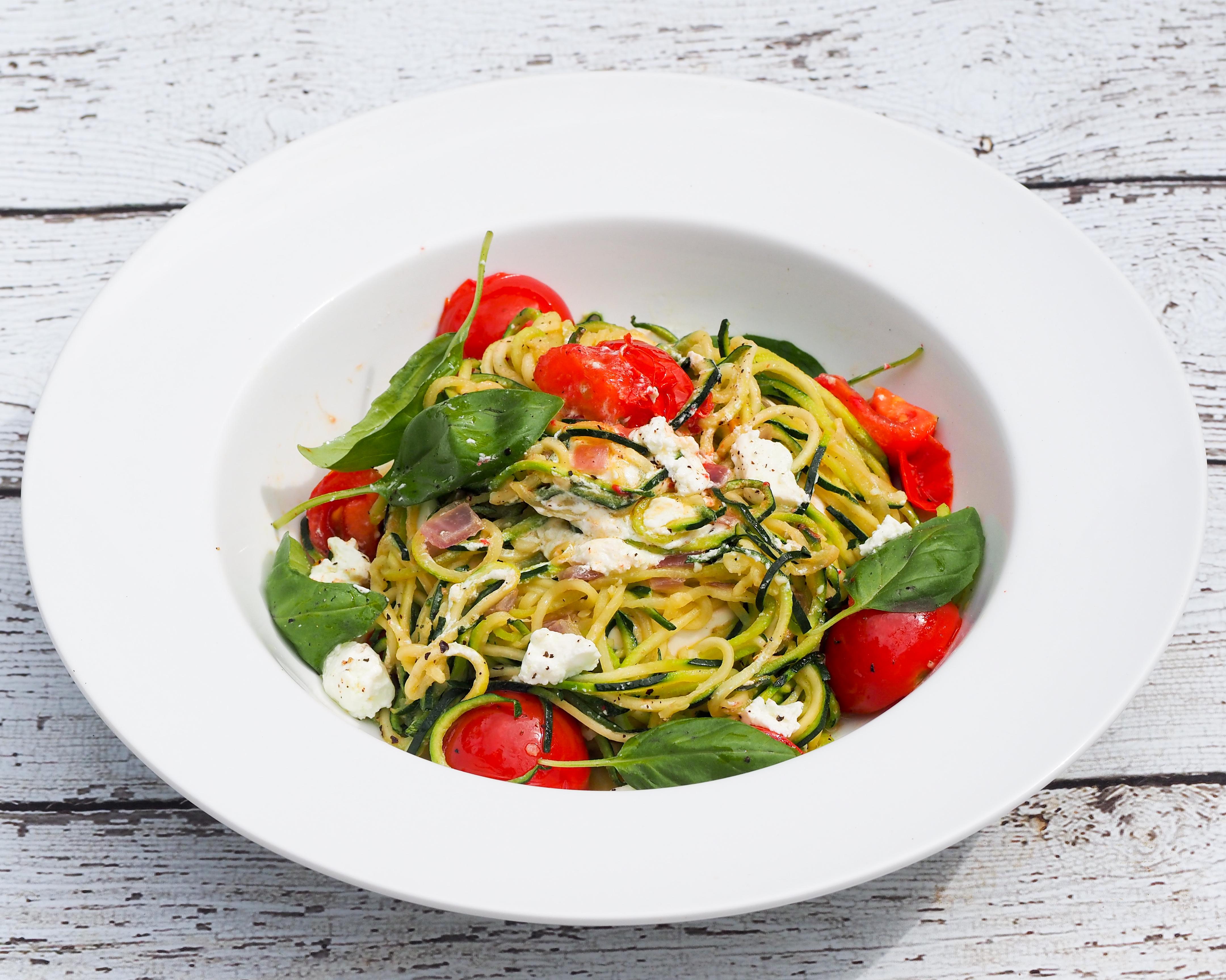 まるごと野菜のスパゲティ!?ズッキーニパスタがダイエッターに人気のサムネイル画像