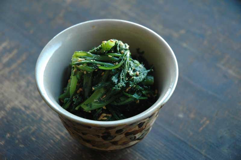 美容にも良く、健康にも良い♪春菊を使った胡麻和えレシピ!のサムネイル画像