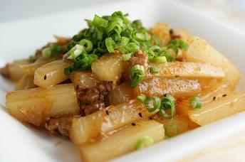 とろとろ・ほっくり。ご飯がすすんじゃう大根の炒め物レシピのサムネイル画像