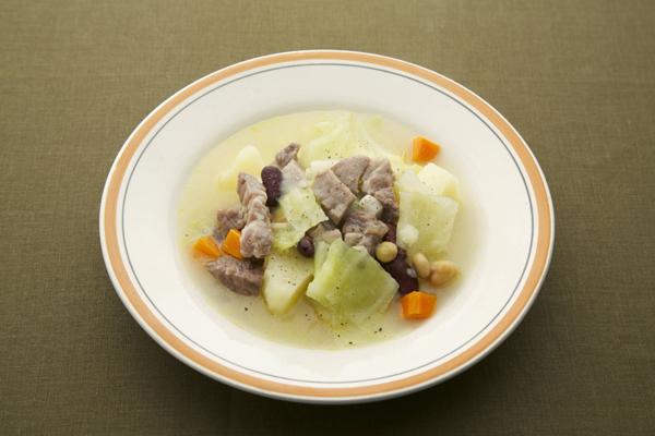 滋養たっぷり!夏に負けない豚バラとキャベツのスープレシピ5選のサムネイル画像