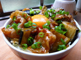 食欲増進!なすと豚バラ肉を使ったスタミナ満点料理レシピ☆のサムネイル画像
