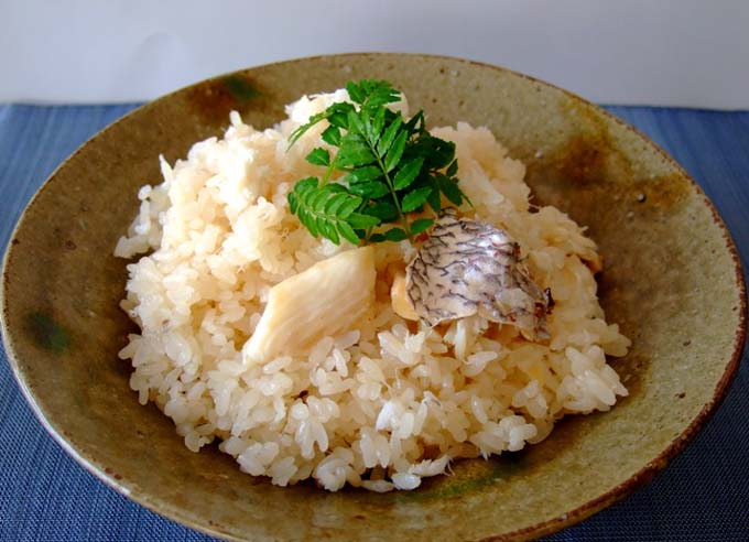 鯛の旨味を余すことなく食す!炊飯器で絶品鯛めしレシピ集5選のサムネイル画像