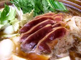 絶品鴨鍋!鴨肉のお出汁で具材も美味しいレシピのまとめです!のサムネイル画像