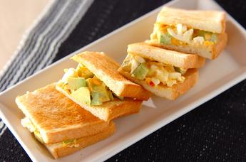 お弁当にも軽食にも!おすすめの栄養満点サンドウィッチレシピ5選のサムネイル画像