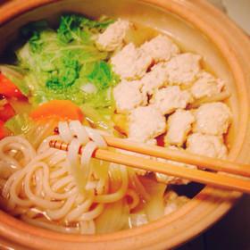冬以外でも鍋を食べたくなる!みんな大好き人気の鍋レシピ5選!のサムネイル画像