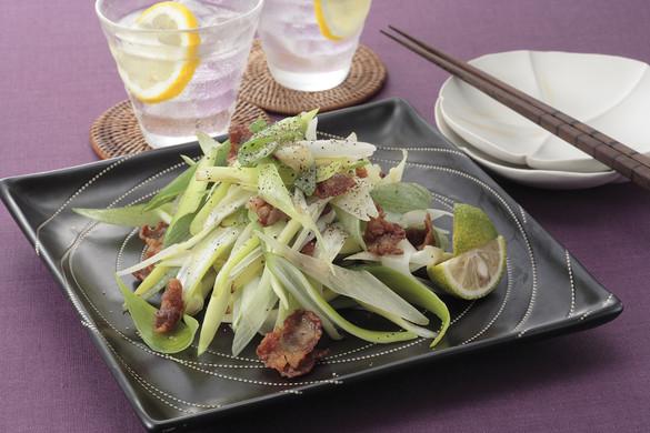 パパッと作れる人気の長ねぎレシピ!主菜も副菜も一挙にご紹介!のサムネイル画像