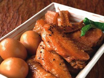 【煮込み・焼き・揚げ】柔らかジューシー鶏手羽先レシピ大紹介!のサムネイル画像