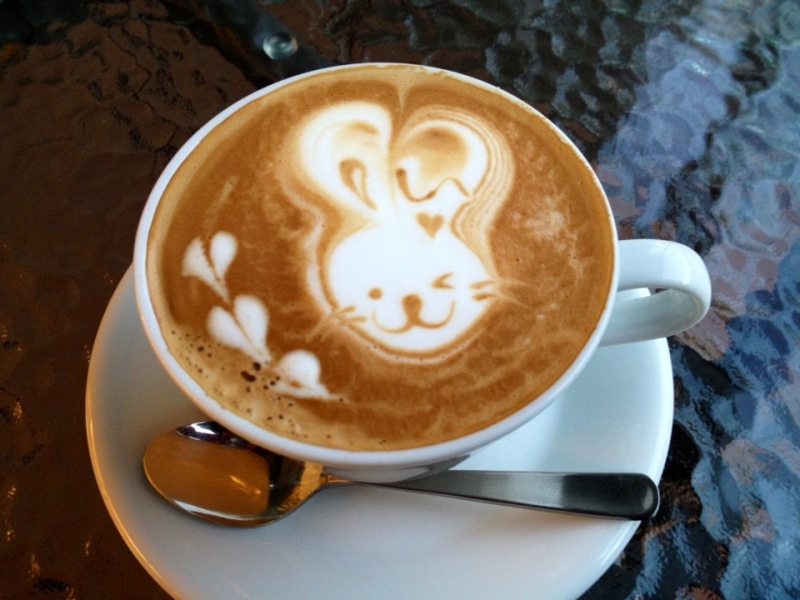 家で美味しいカフェラテを飲もう!カフェラテの作り方を一挙ご紹介!のサムネイル画像