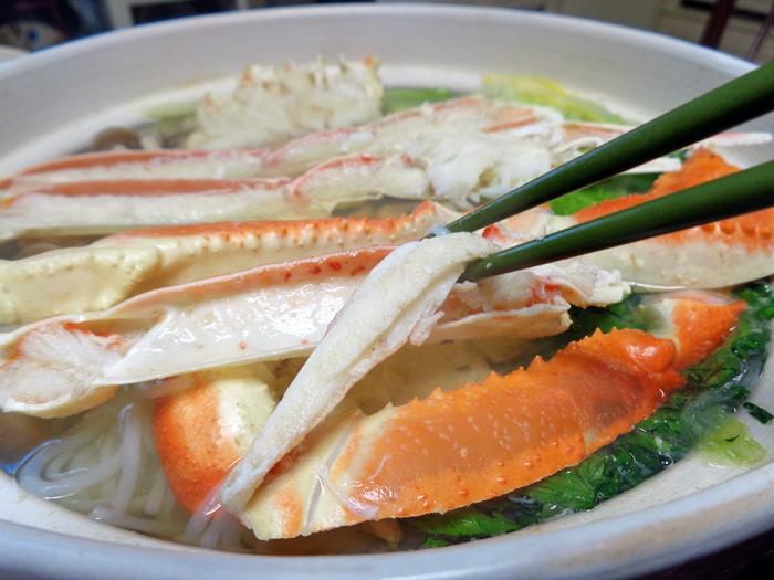 寒い季節のごちそう!みんなでワイワイ囲みたいカニ鍋レシピ集のサムネイル画像