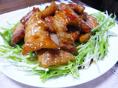 豚バラ肉がたまらない!舌もおなかも大満足の豚バラ肉レシピのサムネイル画像