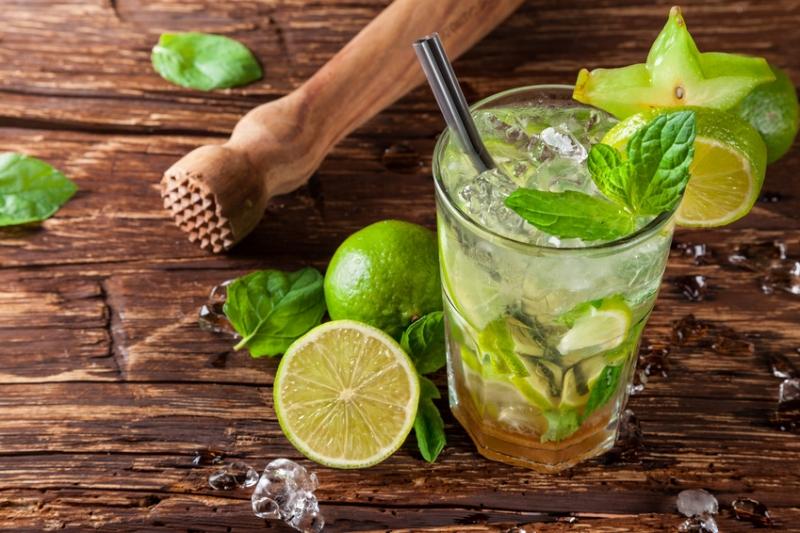 夏にピッタリ!スッキリ美味しいカクテル、モヒートのレシピまとめのサムネイル画像
