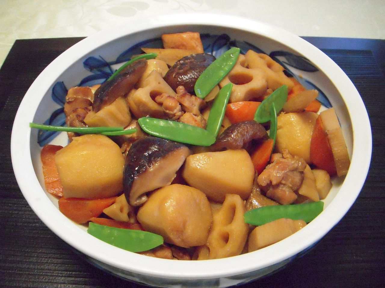 和食の人気の基本煮物・筑前煮レシピをマスターしましょう!のサムネイル画像