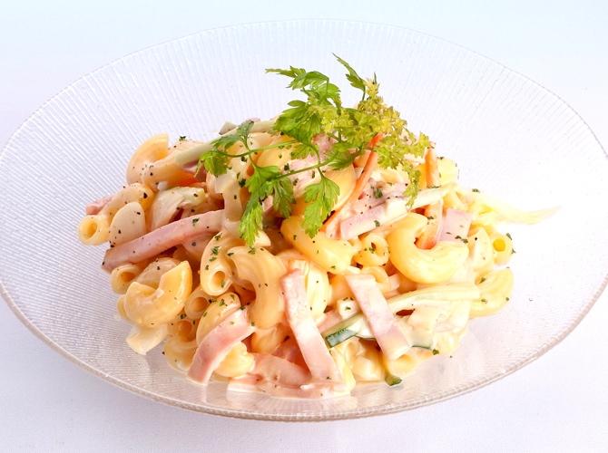 子供がおいしく食べてくれる!マカロニサラダのおすすめレシピ3選のサムネイル画像