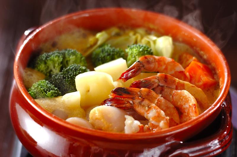夏におすすめの人気鍋料理!暑い夏に食べたい鍋の人気レシピ5選のサムネイル画像