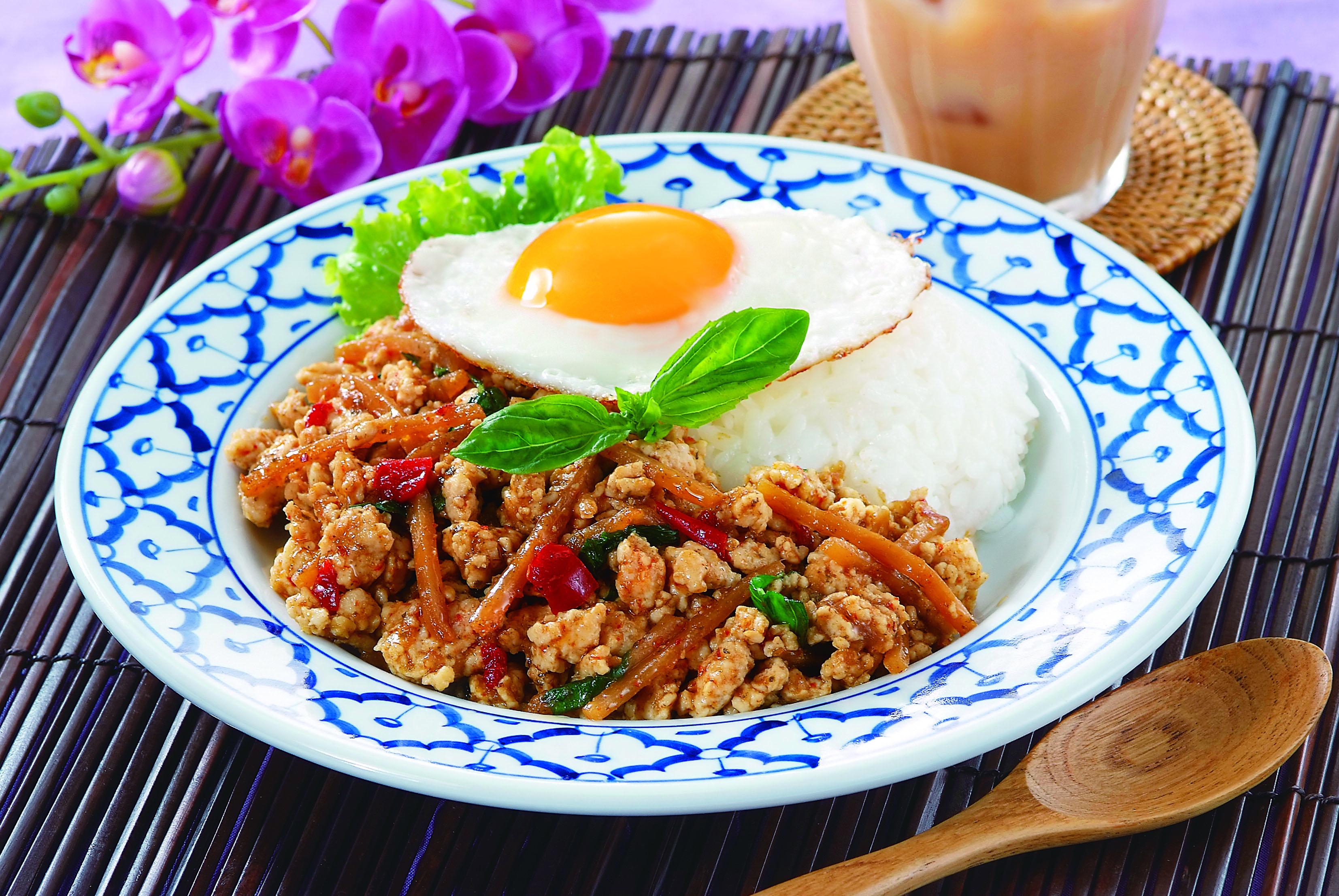 自宅にいながらタイ気分!?本格タイ料理が作れる簡単レシピ5選のサムネイル画像