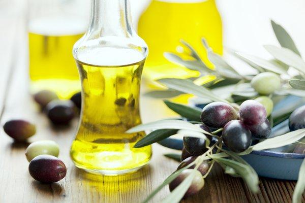 オリーブオイルを飲むだけで美容と健康を一度にゲットできる!?のサムネイル画像