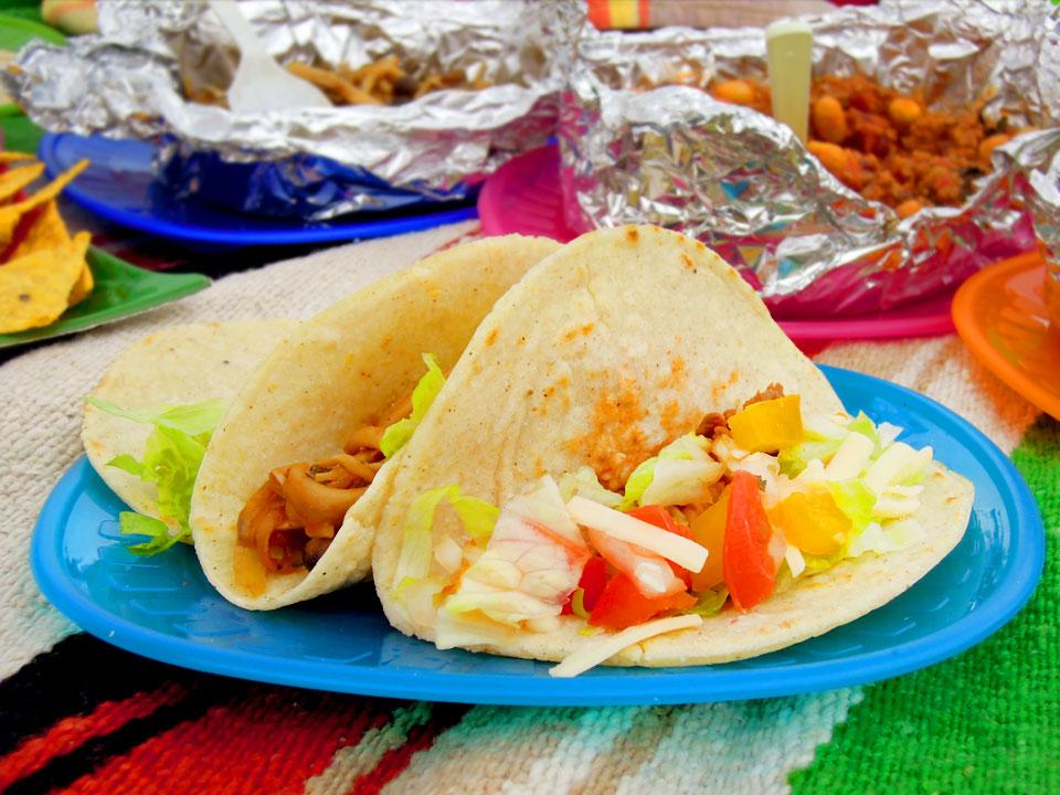 夏にぴったり!自宅で本格的なメキシコ料理が作れる簡単レシピ5選のサムネイル画像