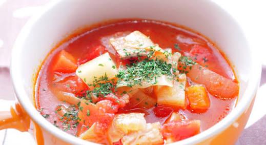 トマト缶で手軽に作れる野菜たっぷりミネストローネのレシピ!のサムネイル画像