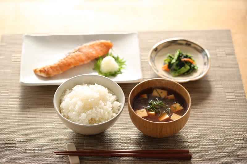 愛され和食で愛しの彼もイチコロ!!美味しい基本の和食レシピ5選のサムネイル画像