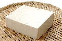 大豆の美味しさを感じる絹ごし豆腐を使ったおすすめレシピ5選!のサムネイル画像