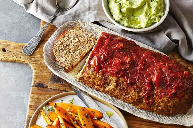 ハンバーグをオーブンで焼くだけ?簡単に作れるミートローフのレシピのサムネイル画像