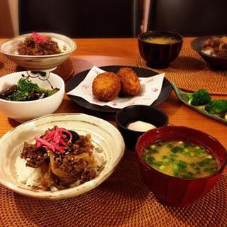 時間がないけどちゃんとした夕飯を!さっとできる簡単レシピを紹介!のサムネイル画像