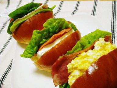お弁当にもピッタリ!ロールパンを使ったサンドイッチレシピのサムネイル画像